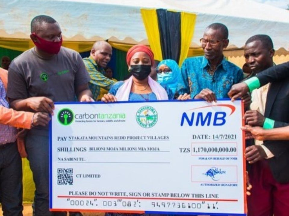 handing over of cheque - Ntakata Mountains Project